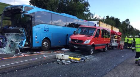 Welsh coach crashes in Switzerland